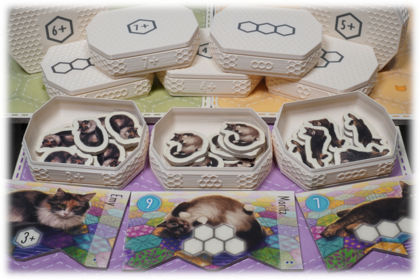 CAL-I-01 Insert Calico board game cats baskets